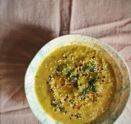 Creamy Vegan Low-FODMAP Parsnip Soup
